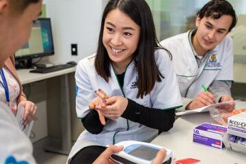 Du học khoá Cử nhân Dược lâu đời nhất tại New Zealand tại trường top 1% thế giới